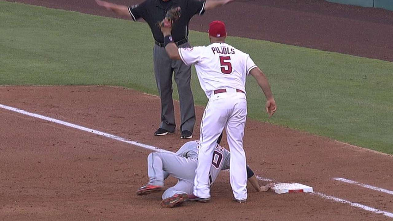 Ausmus ejected after Angels win challenge
