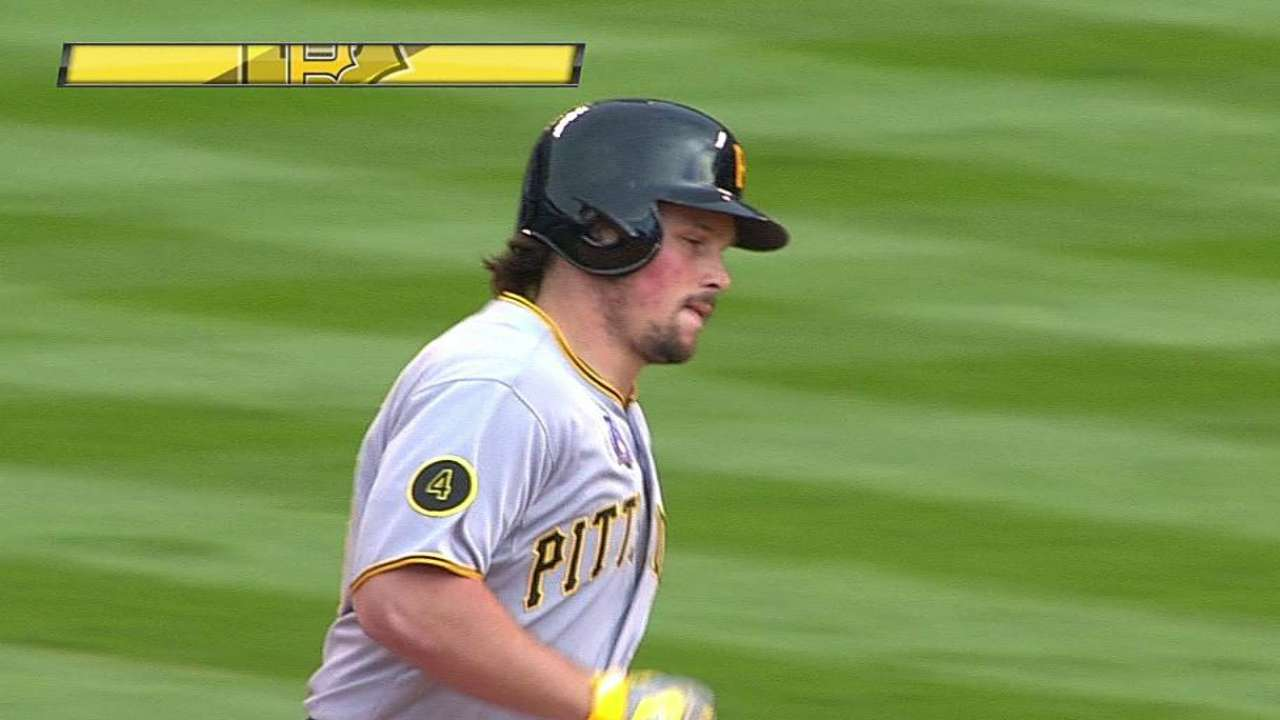 Snider adapting well to pinch-hitting role