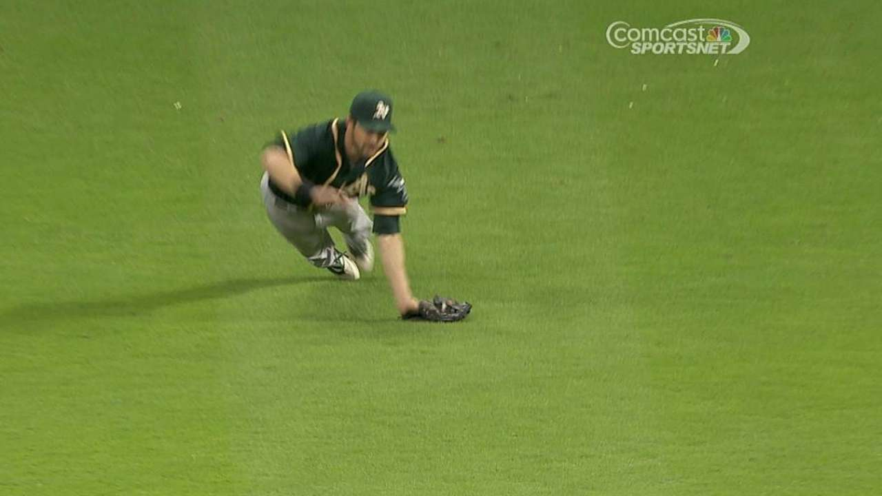 Injuries to outfielders puts Reddick on center stage