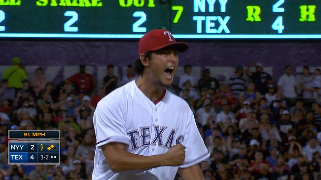 Bats back Yu as Rangers take series opener vs. Yanks
