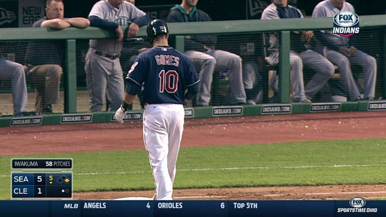 Bauer struggles during Indians' loss to Mariners