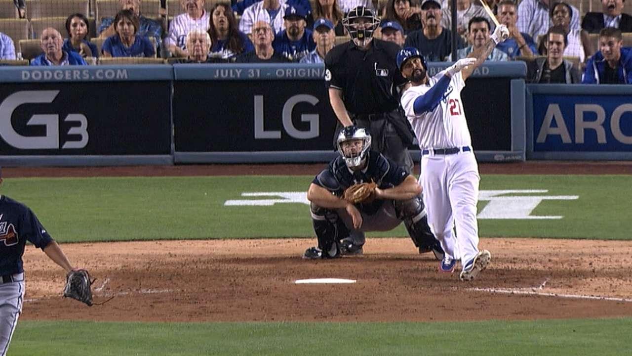 Kemp homers twice as LA wins fourth straight