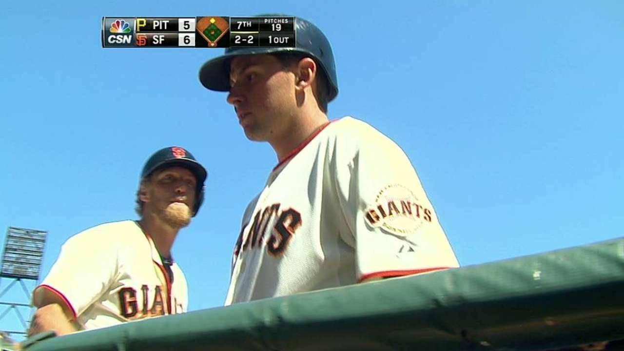 Giants take advantage to come back vs. Pirates