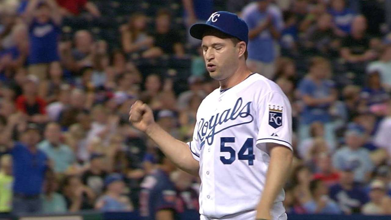 Frasor dazzled by talent in Royals' bullpen