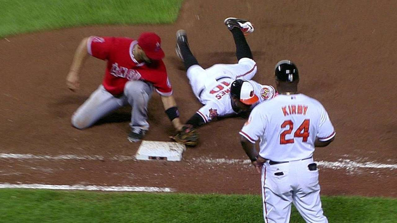 Orioles lose challenge as Jones picked off in 11th
