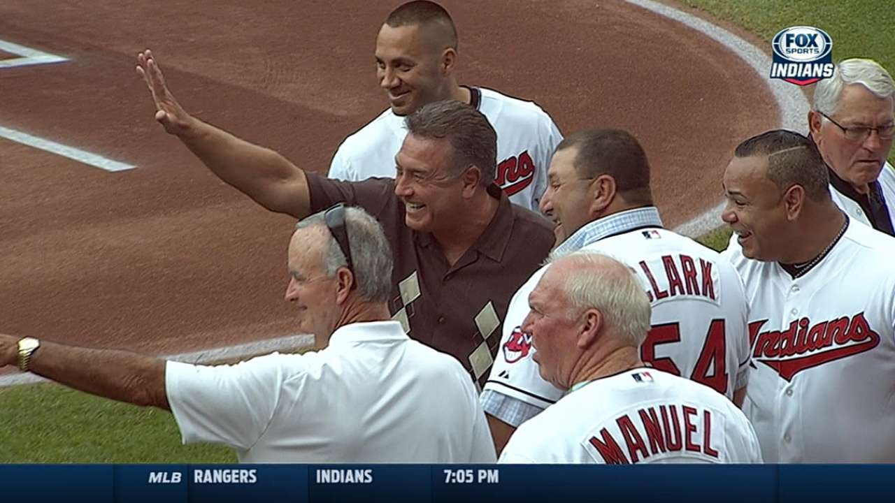 Indians honor longtime play-by-play voice Hamilton