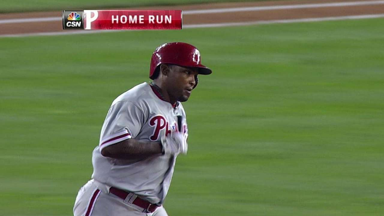 Remaining with Phils, Byrd's blast lifts Hernandez