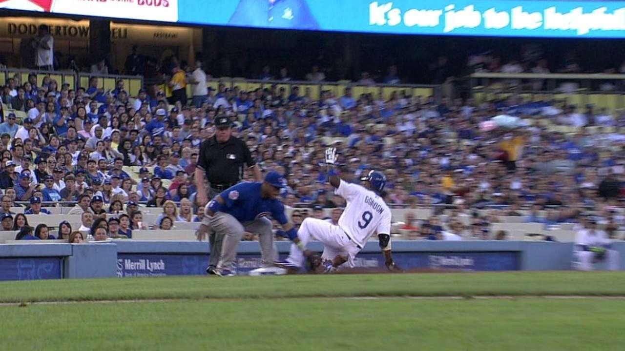 Dodgers' winning streak snapped in sloppy loss