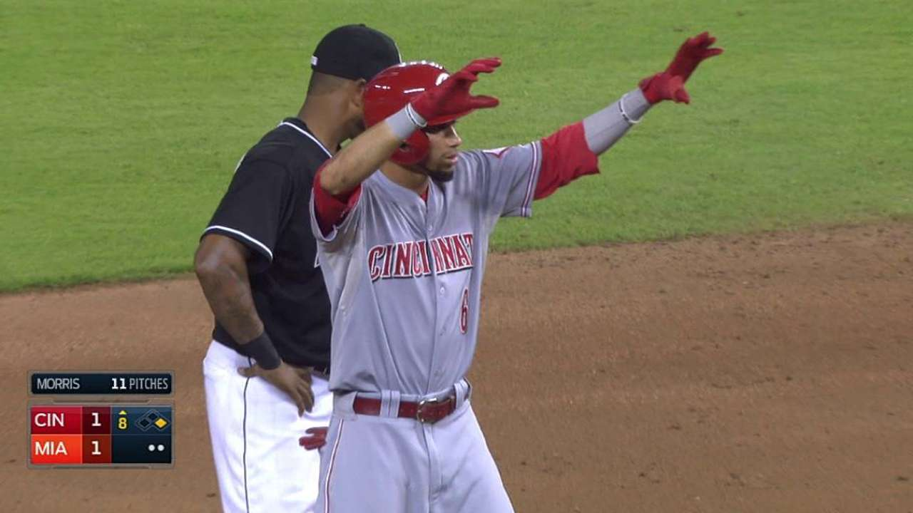 Reds rally, but drop extra-inning battle of bullpens