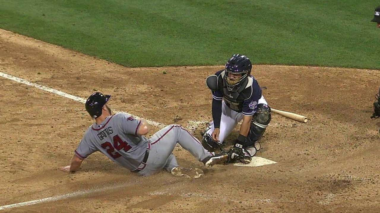 Braves lose replay challenge in eighth vs. Padres