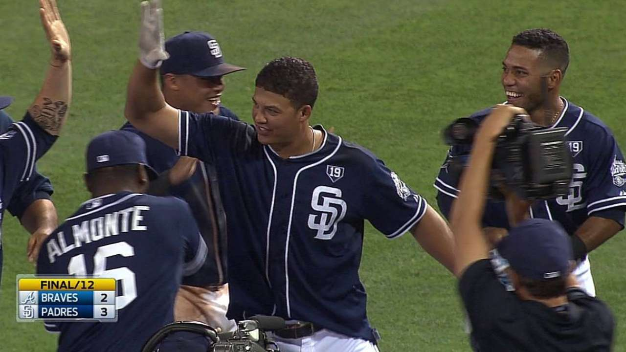 Padres walk off in 12th on Venable's winning knock