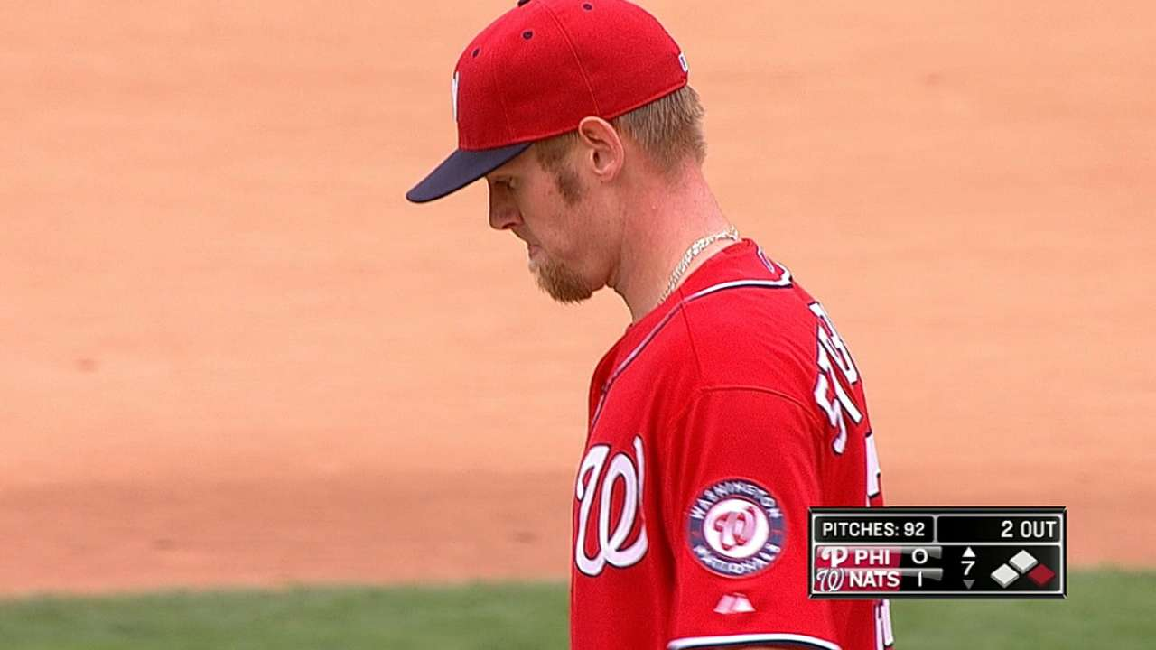 Strasburg outduels Hamels as Nats blank Phillies