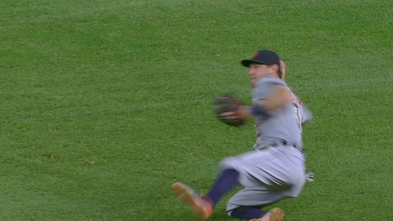 Ausmus raves about Kinsler's glove work for Tigers