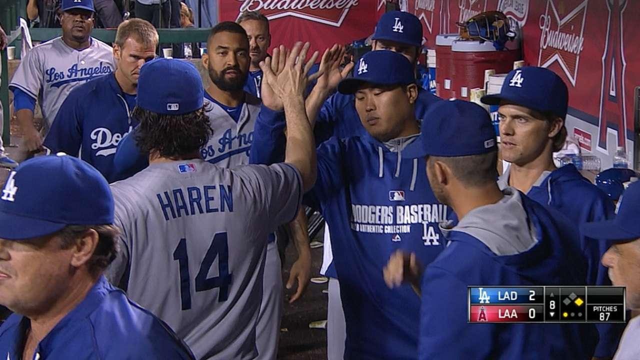 Haren puts Dodgers in Freeway Series driver's seat