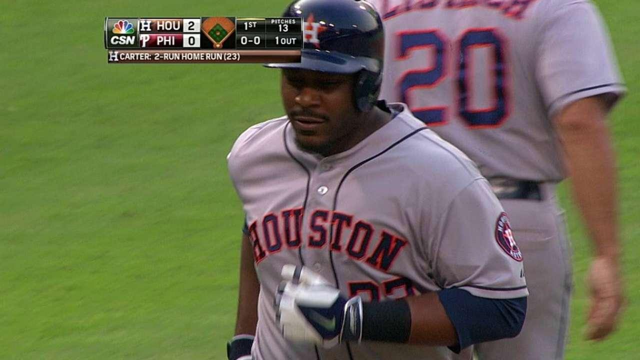 Carter dio dos HR pero Astros fueron barridos por Filis
