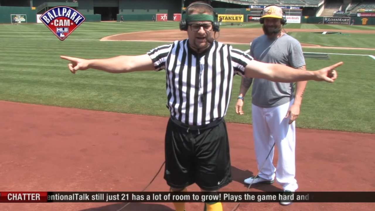 Vogt shows off talents as ref