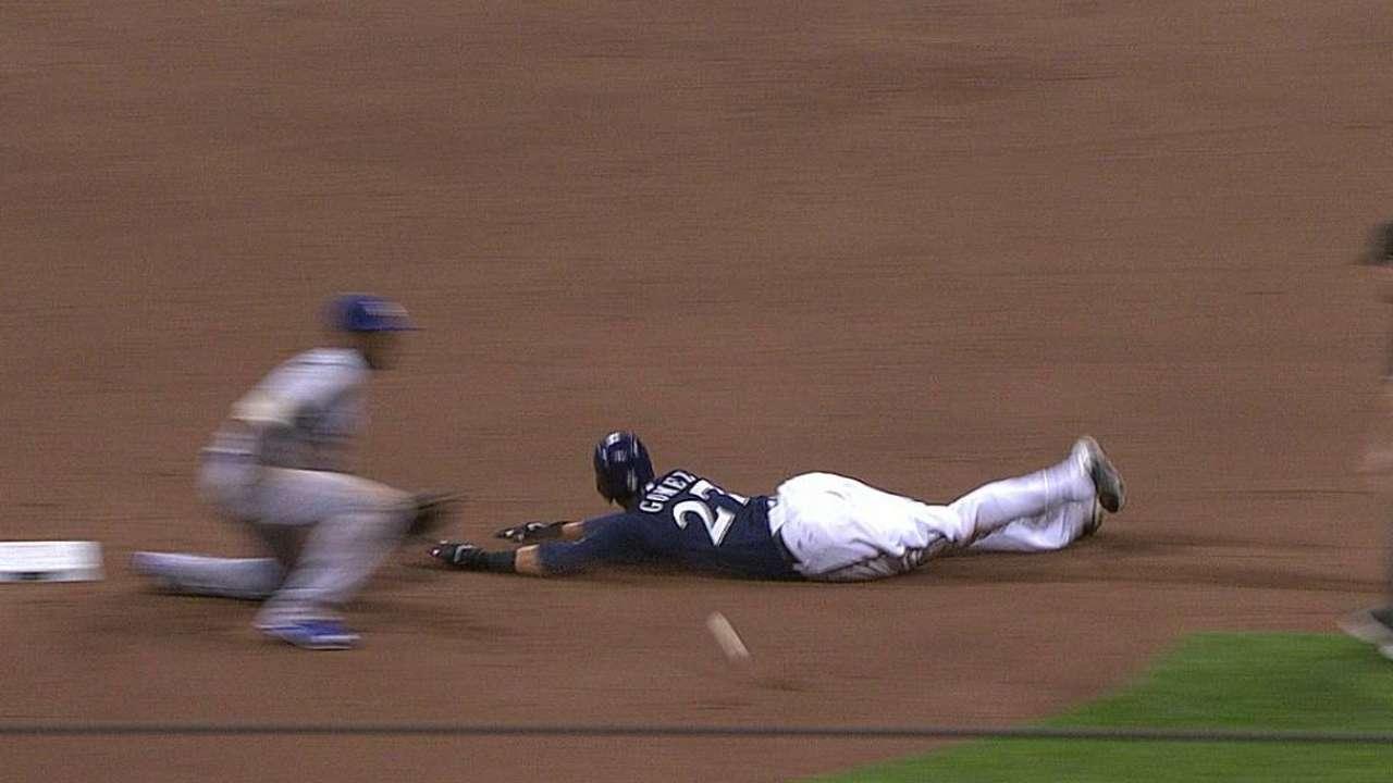 Gomez safe on steal as Dodgers lose challenge
