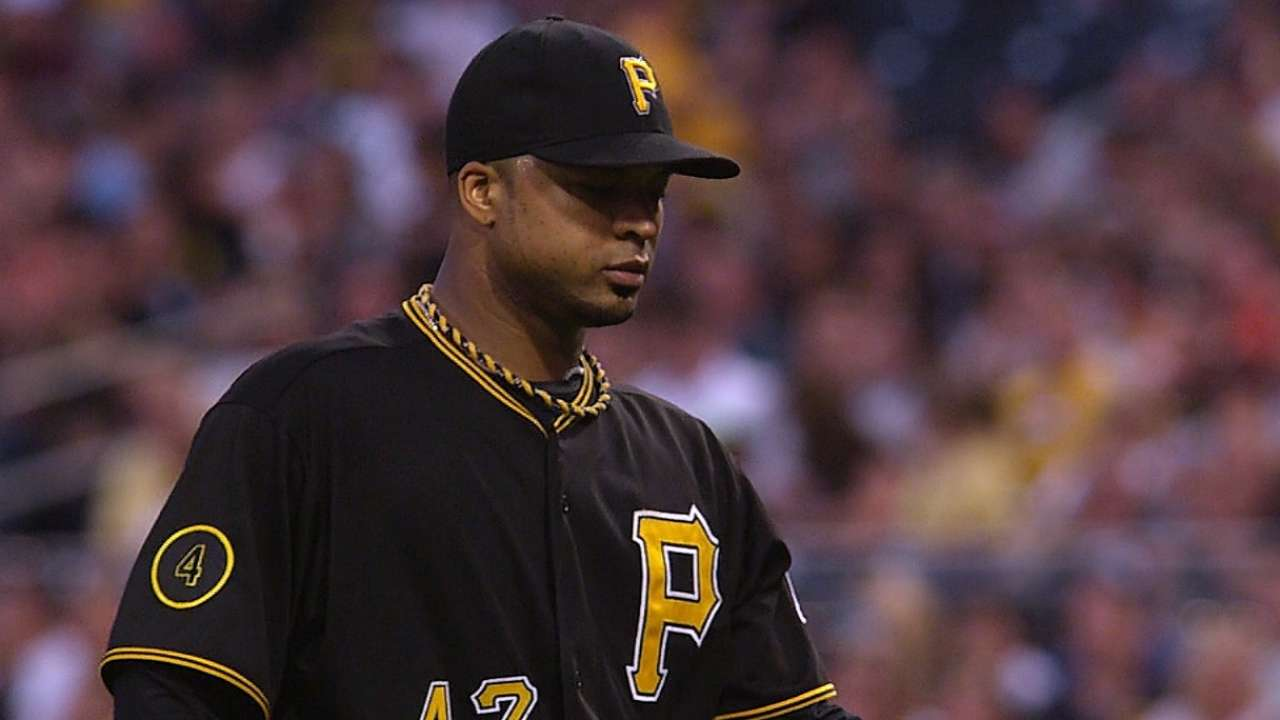 Liriano strong but bats can't rally late