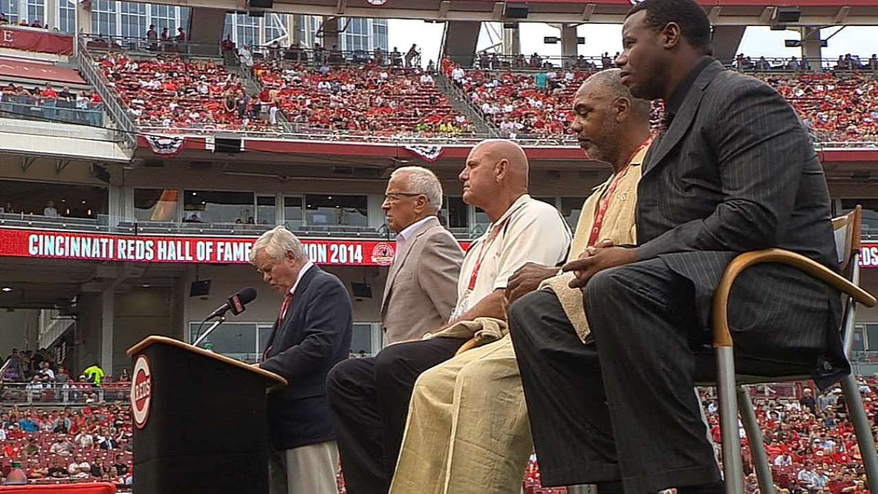 Reds officially welcome four into Hall of Fame