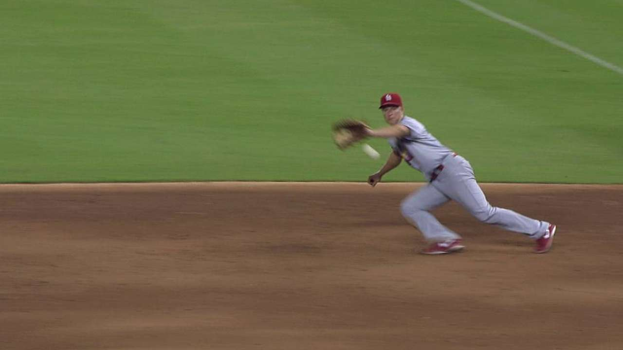 Ellis getting lost in Cardinals' crowded infield