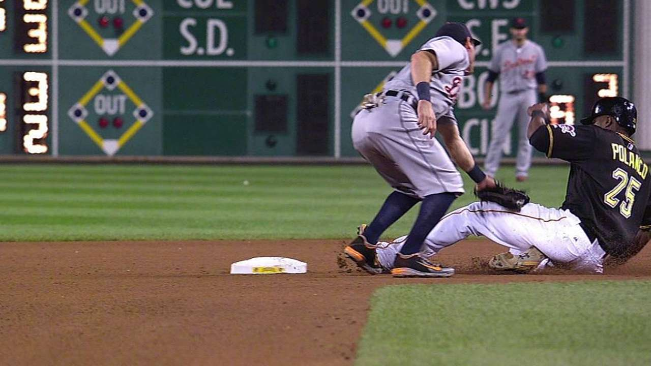 Tigers thwart Bucs' steal attempt on overturned call