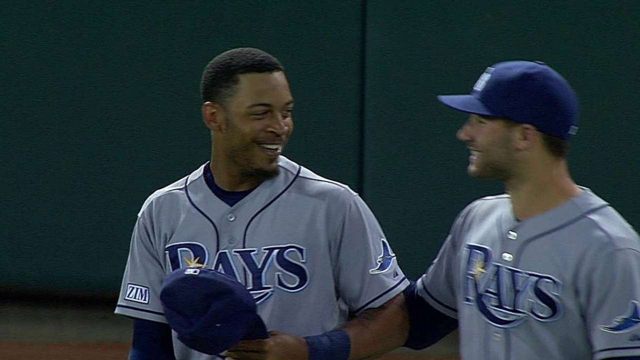 Jennings sits with sore shoulder after superb catch