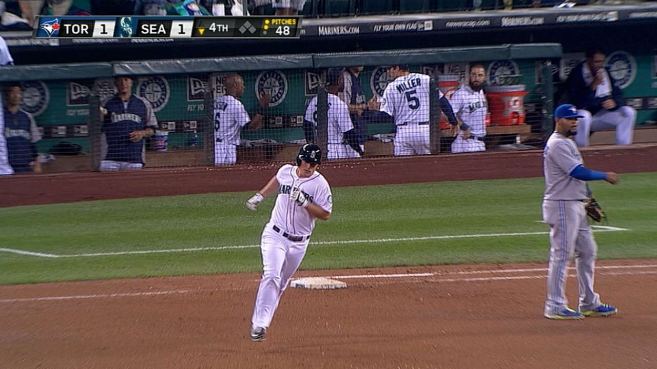 Young, Seager lift Mariners into Wild Card tie