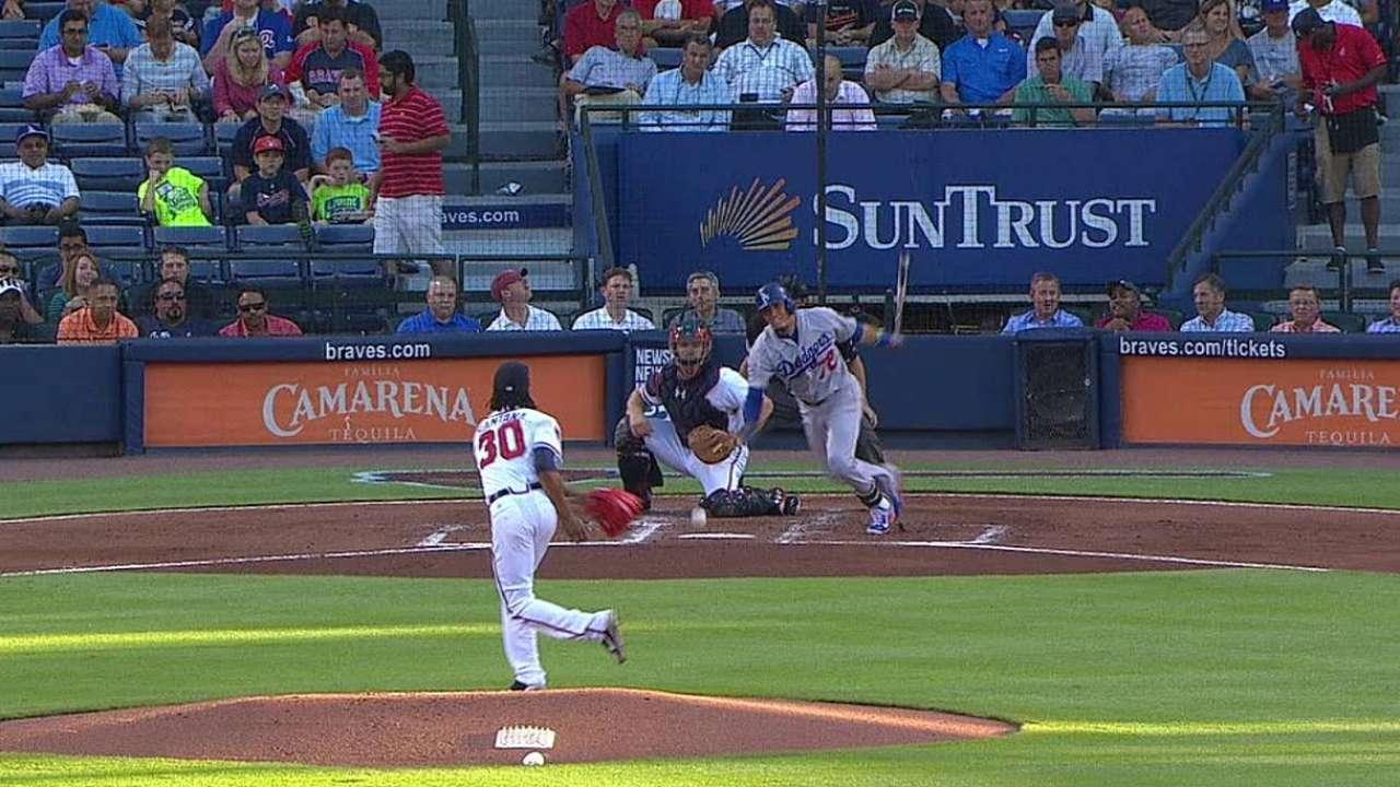 Ryu sale lesionado en derrota de Dodgers vs. Bravos