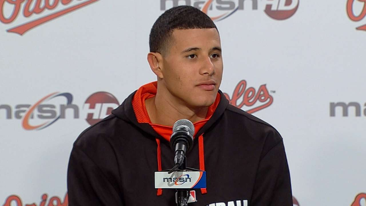 Rehabbing Machado joins O's on road trip