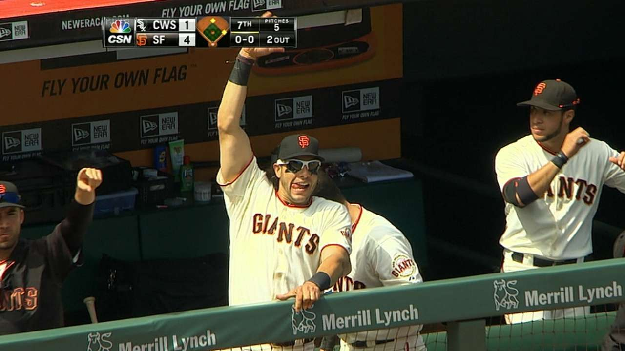 Review helps Giants open floodgates vs. White Sox