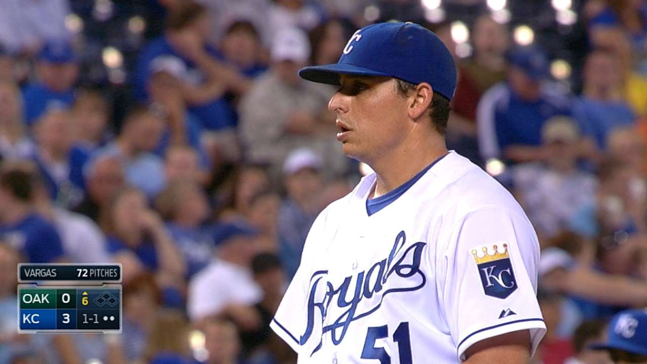 Vargas blanks A's as Royals hold Central lead