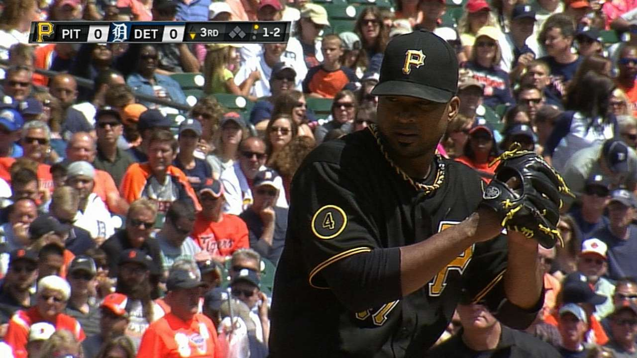 Liriano outdueled as Pirates drop series finale