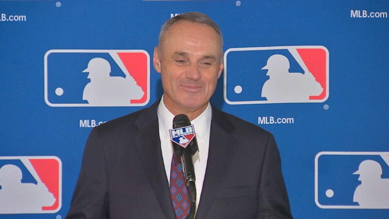 Manfred to succeed Selig as next Commissioner