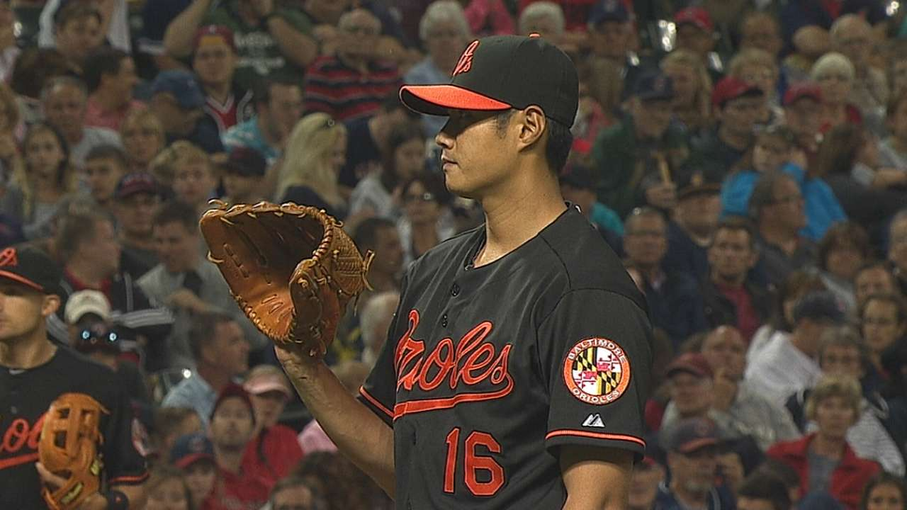 O's rally to force extras, fall in 11th on walk-off homer