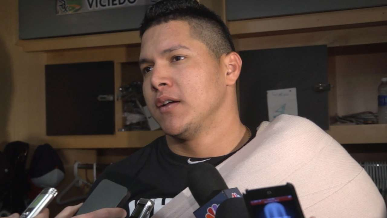 Shoulder healed, Avisail rejoins White Sox