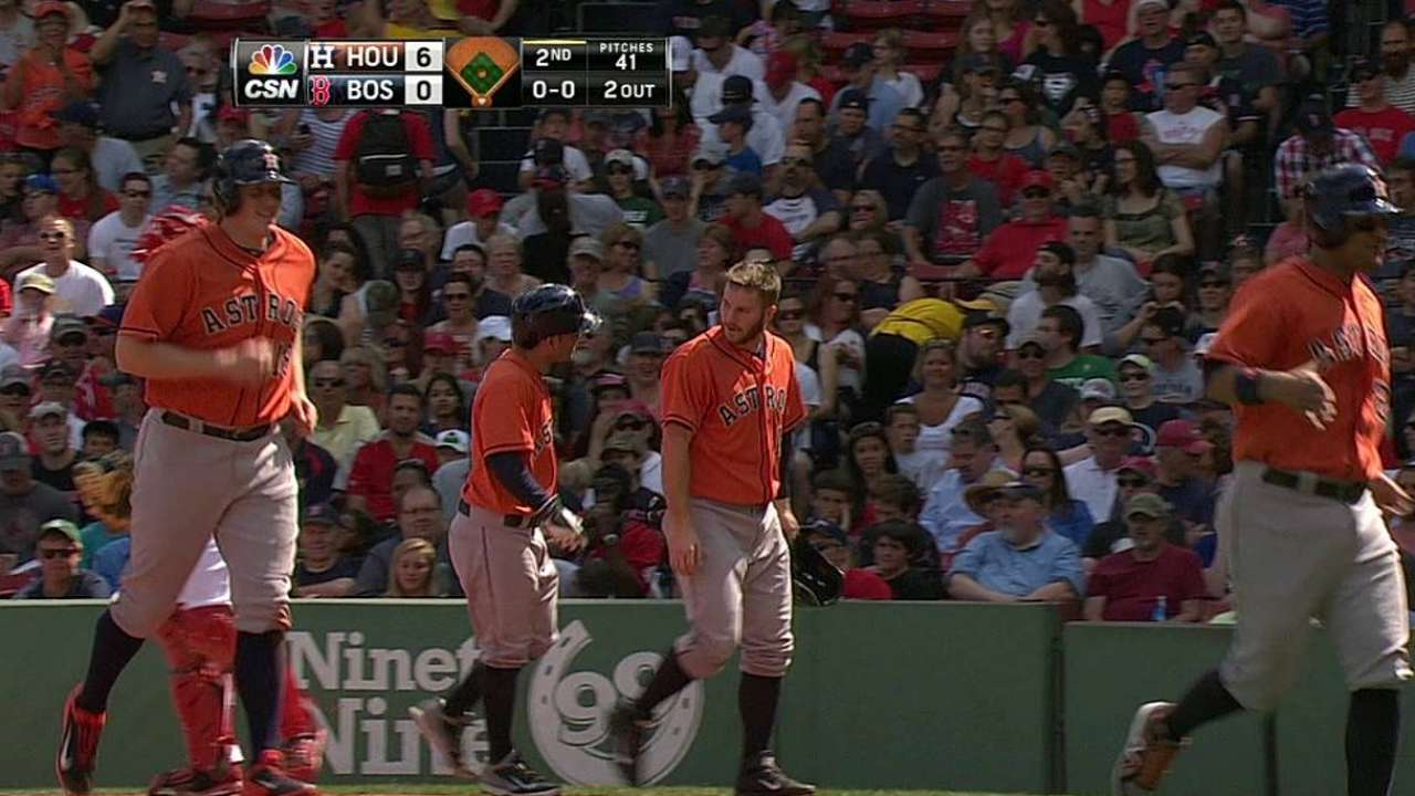 Grand slam de Altuve impulsa a Houston vs. Boston