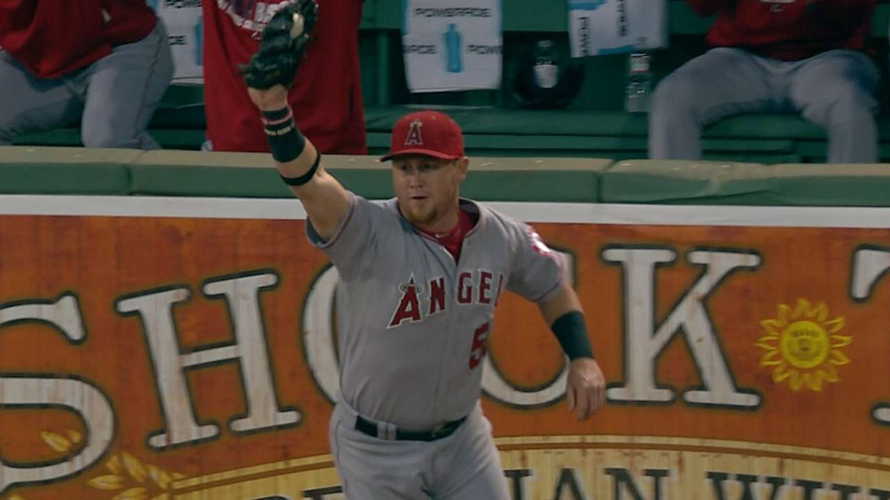 Angels' outfield continues flare for robbing homers
