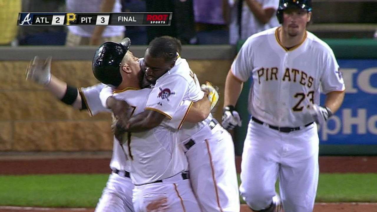 Pirates keep pace in playoff race with walk-off win