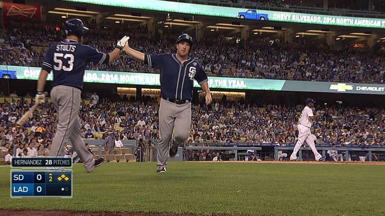 Padres derrotan a Dodgers de la mano de Stults