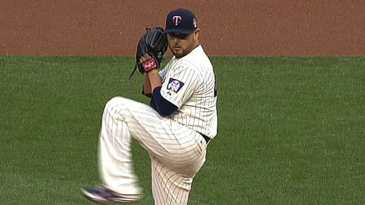 Offensive woes continue as Twins drop series
