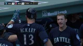 Big frame helps Mariners add to Wild Card lead