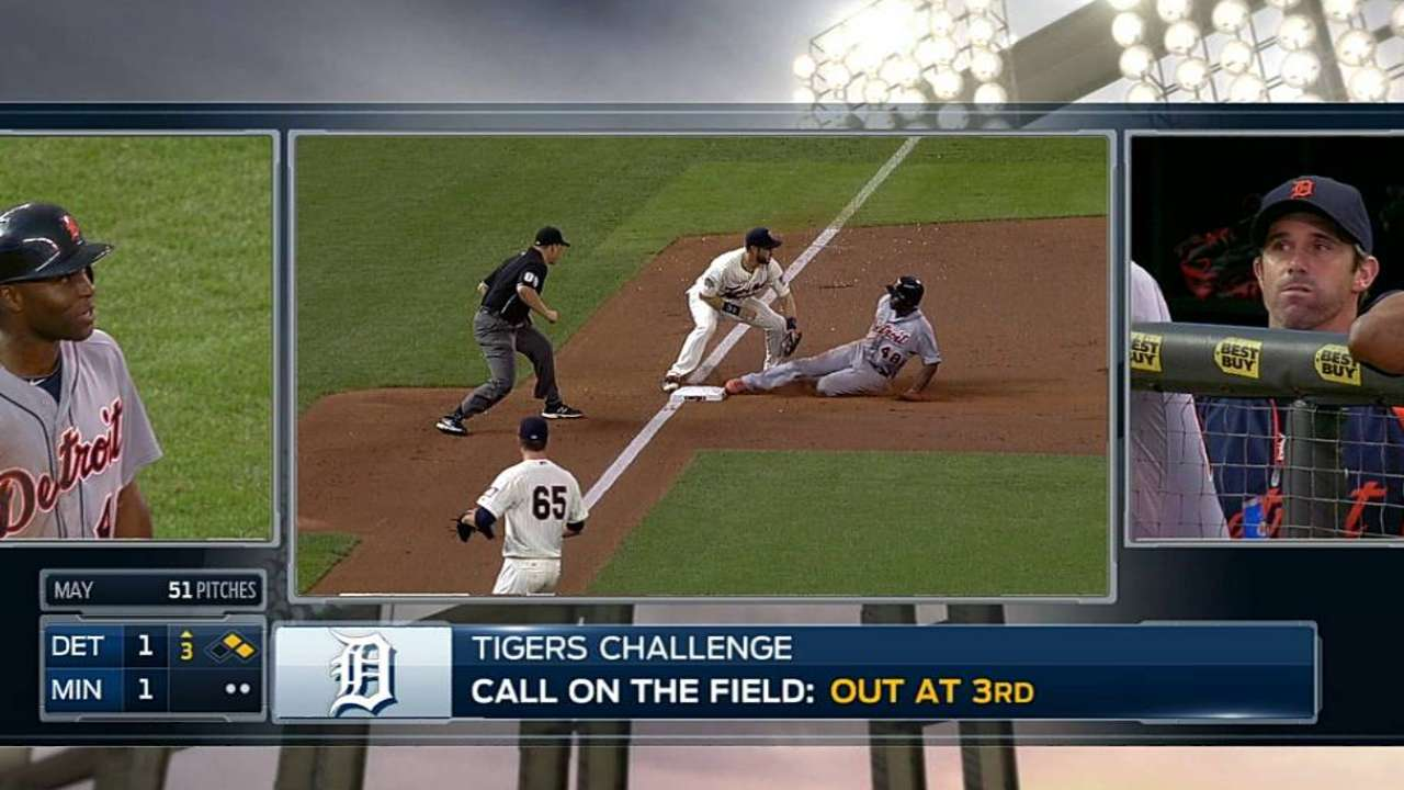 Ausmus gets call overturned; Tigers capitalize for run