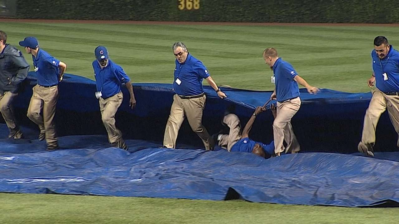 Renteria, Hyde grab grounds crew worker from under tarp