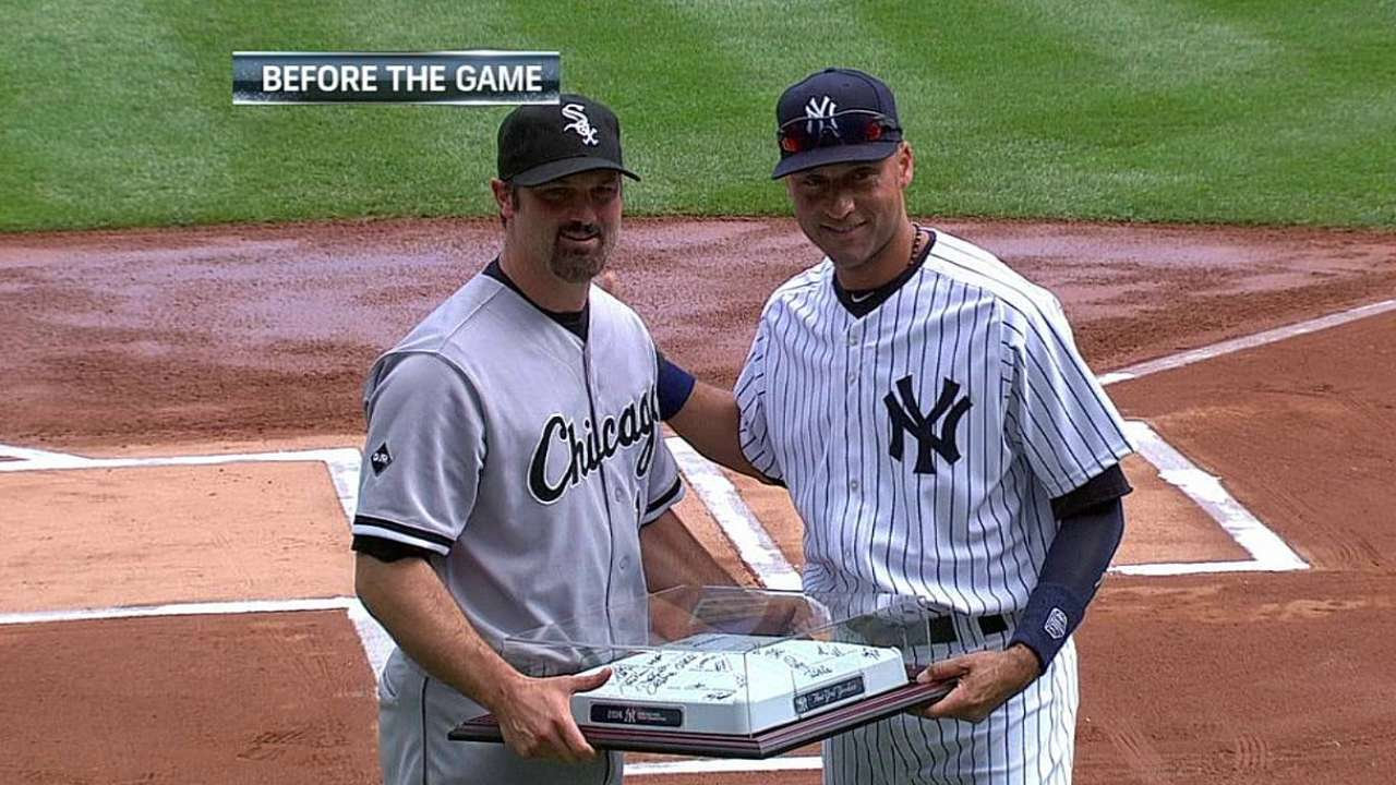 Konerko makes final appearance at Yankee Stadium