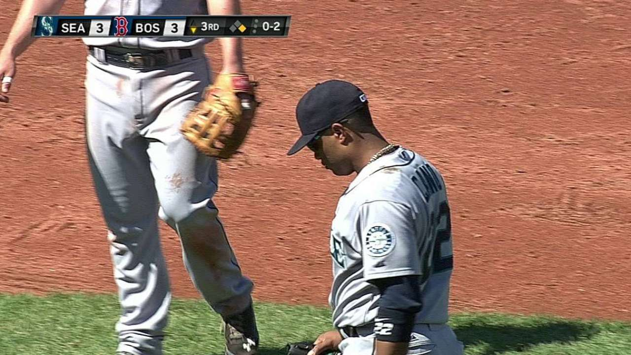 Cano exits after feeling ill, hopes to play Monday