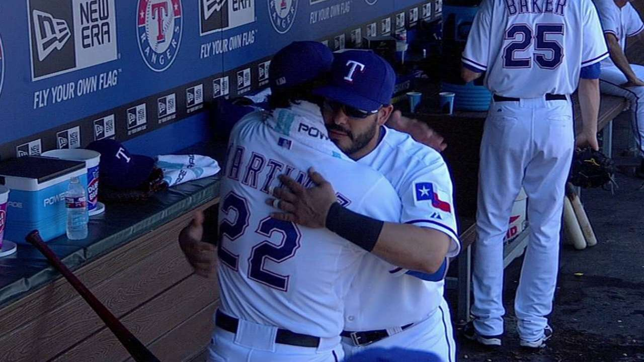 Rangers deal Soto to AL West-rival A's for cash