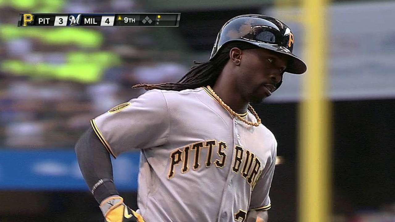 Pirates fall just short after Cutch's homer in ninth