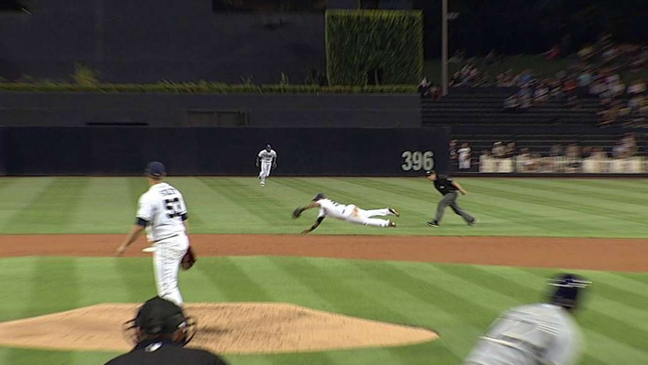 Stults runs out of August magic against Crew