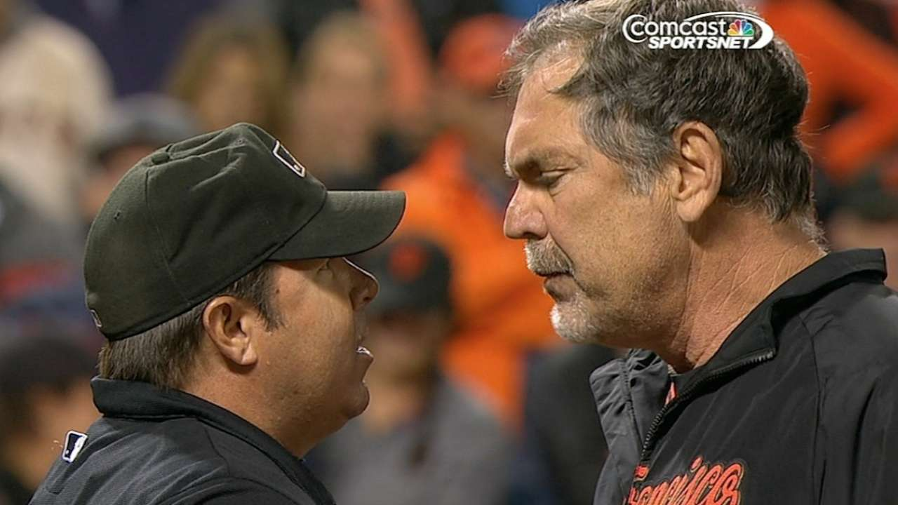 Bochy ejected for arguing balls and strikes