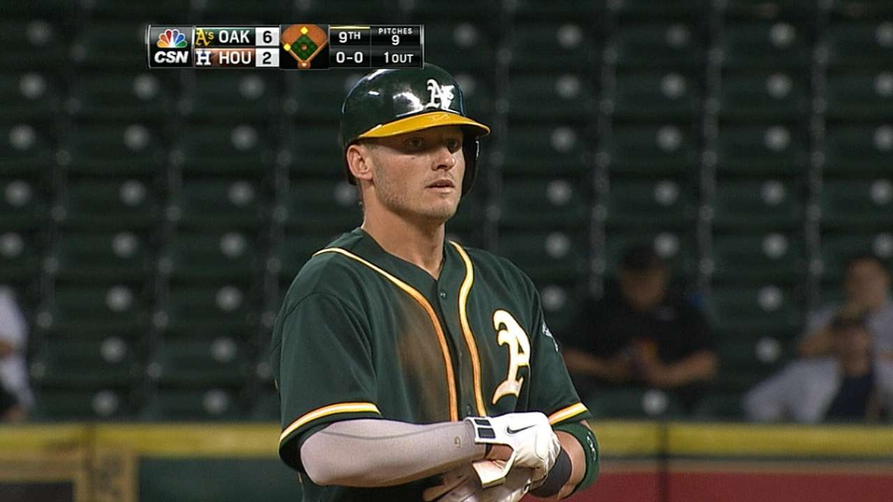 Knee no bother in Donaldson's three-hit game